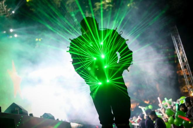 Cung Heineken Green Room danh thuc thi giac va trai nghiem hinh anh 3