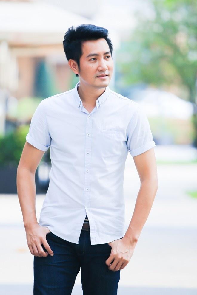 A hau Hoang My lam MC chuong trinh am thuc hinh anh 2