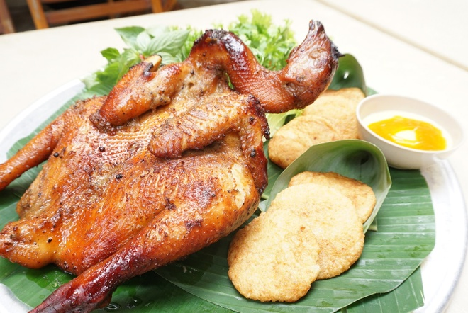 Thuong thuc ga nuong sau rieng chuan vi Nam Bo tai Ha Noi hinh anh