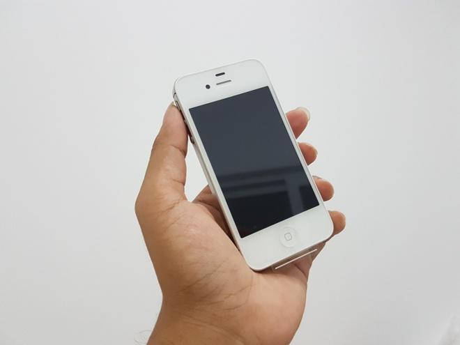 iPhone 4S nguyen seal chua active ve VN gia 2,5 trieu dong hinh anh 3