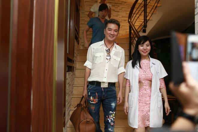 Dam Vinh Hung di spa, chuan bi cho liveshow 12 ty tai Ha Noi hinh anh 1