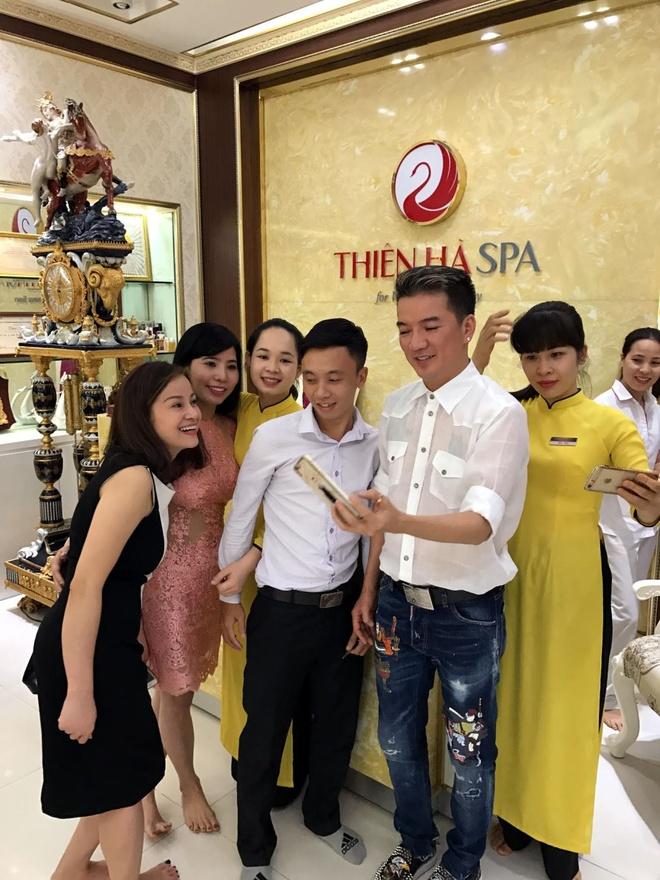 Dam Vinh Hung di spa, chuan bi cho liveshow 12 ty tai Ha Noi hinh anh 6