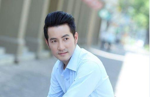 Ca si Nguyen Phi Hung: 'Toi khong voi vang tim kiem ban doi' hinh anh