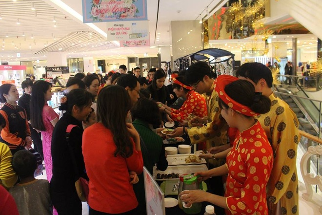 Lotte Department Store,  Le hoi ao dai anh 3