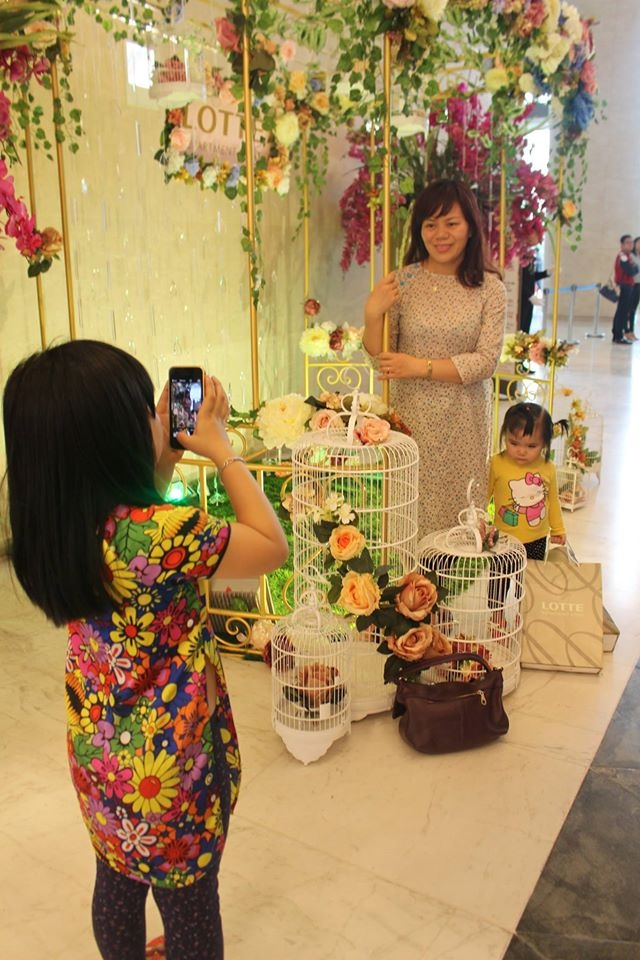Lotte Department Store,  Le hoi ao dai anh 5