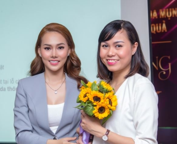 Cong ty my pham Luxury Girl to chuc hoi nghi dao tao dai ly hinh anh