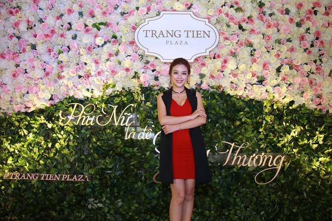 Trang Tien Plaza gui yeu thuong den mot nua the gioi hinh anh 1