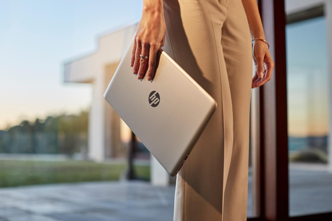 HP Envy: Laptop mong nhe khong chi de lam viec hinh anh 1