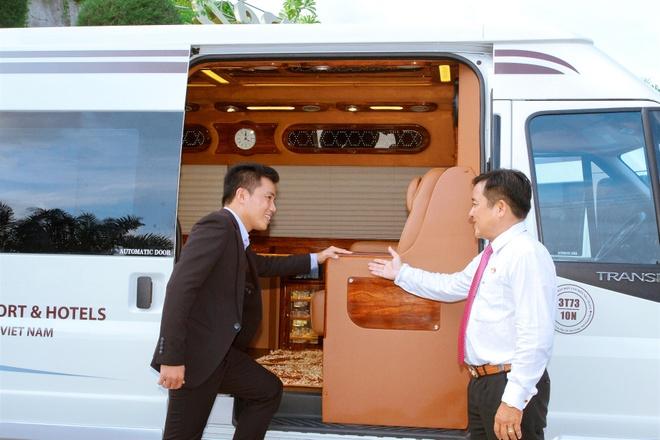 Ra mat doi xe tieu chuan Limousine tai resort Hon Tam hinh anh 2