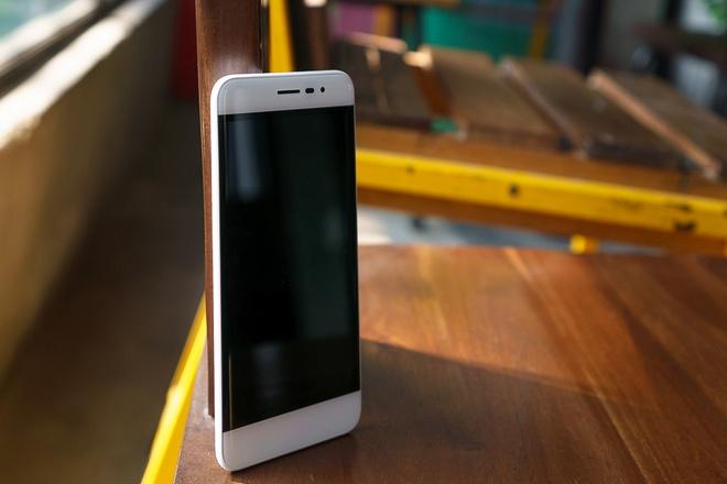 Mua tra gop smartphone Coolpad khong lai suat tai FPT Shop hinh anh 3