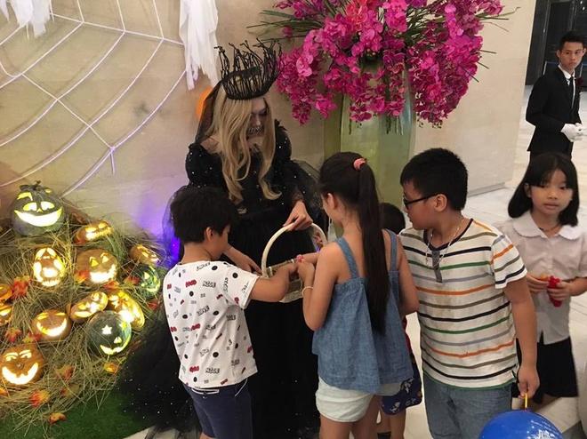 Hoat dong hap dan tai Lotte Department Store dip Halloween hinh anh 6