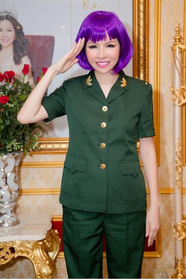 Nhan vien Long Hoang Security hoa trang ma mi don Halloween hinh anh 10