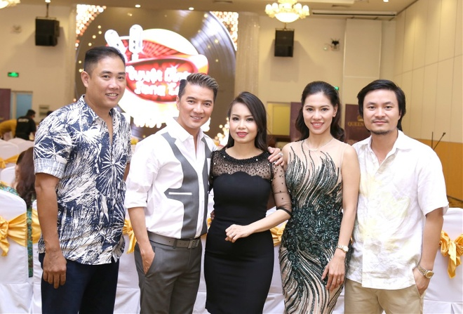 Vo chong Cam Ly - Minh Vy hoi ngo Mr Dam tren ghe nong hinh anh