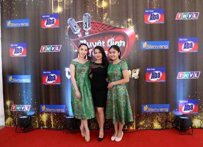 Vo chong Cam Ly - Minh Vy hoi ngo Mr Dam tren ghe nong hinh anh 2