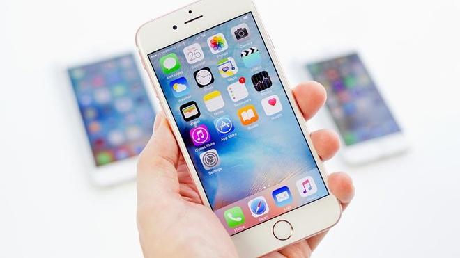 Giam 8 trieu dong, suc mua iPhone 5S, 6S chinh hang tang cao hinh anh