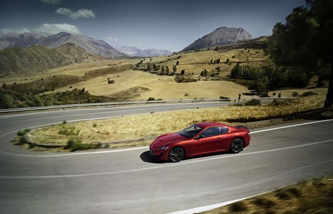 Trai nghiem lai xe Maserati tai Italy cho khach hang Viet hinh anh 5
