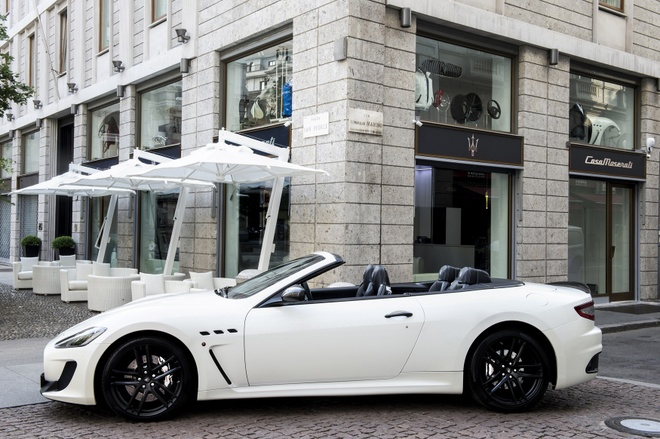 Trai nghiem lai xe Maserati tai Italy cho khach hang Viet hinh anh 1