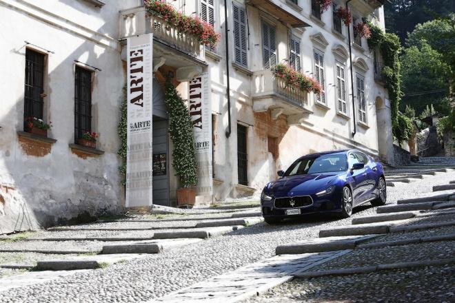 Trai nghiem lai xe Maserati tai Italy cho khach hang Viet hinh anh 9