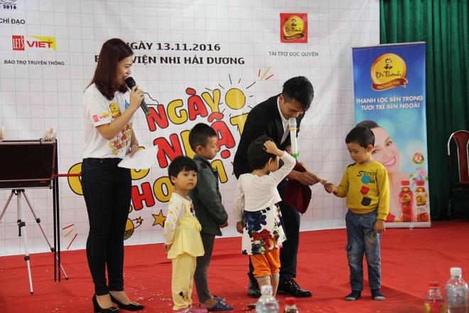Tan Hiep Phat,  Tra Thao moc Dr Thanh,  Chu nhat cho anh 3