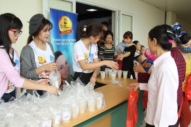 Tan Hiep Phat,  Tra Thao moc Dr Thanh,  Chu nhat cho anh 4