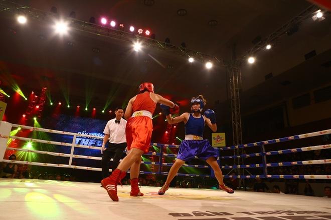 Khan gia hao hung voi tran chung ket boxing tai Ha Noi hinh anh 2