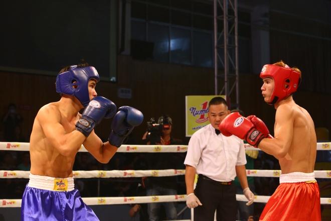 Khan gia hao hung voi tran chung ket boxing tai Ha Noi hinh anh 4