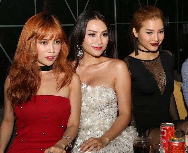 Hoang Thuy Linh, Sy Thanh quyen ru tai AXE Party hinh anh