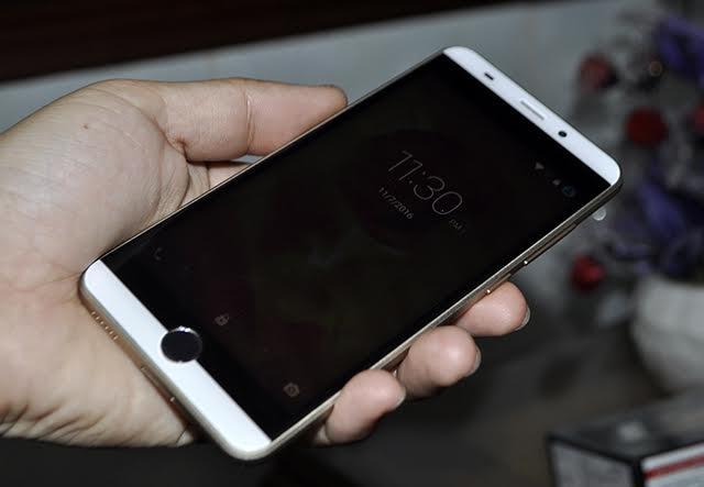Intex Aqua View: Smartphone An Do gia re co cam bien van tay hinh anh 1