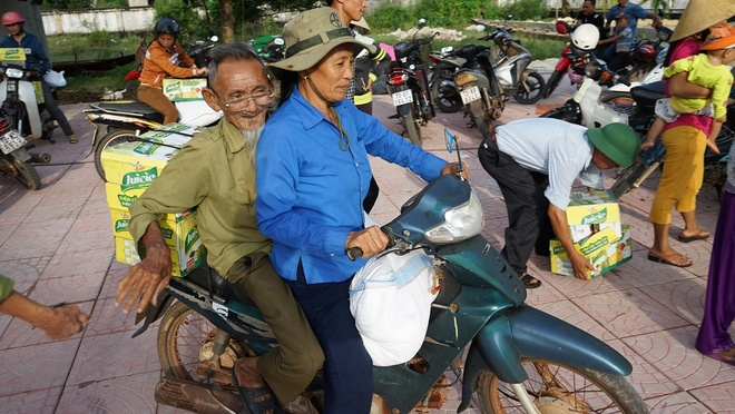 Tan Hiep Phat ho tro nguoi dan Quang Binh sau 'lu kep' hinh anh 6