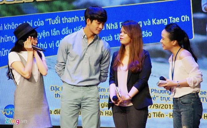 Khoanh khac Kang Tae Oh than thiet voi fan Viet hinh anh 9