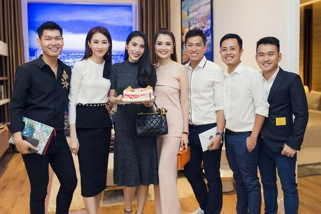 Dang Thu Thao bat ngo to chuc sinh nhat cho ca si Thuy Tien hinh anh 7