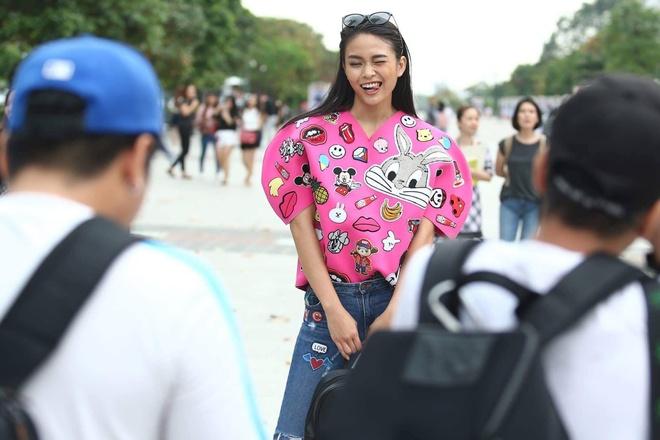 Loat fashionista Viet chuong sac hong trong street style hinh anh 9