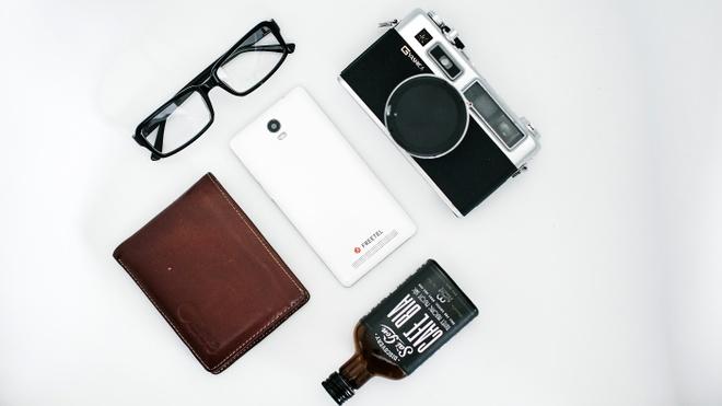 Priori 3S: Smartphone Nhat Ban pin 4.000 mAh, ket noi 4G hinh anh
