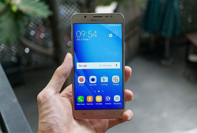 5 mau Samsung Galaxy doi cu van duoc ua chuong tai Viet Nam hinh anh 2