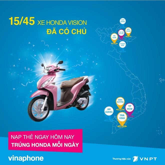 15 khach hang VinaPhone bat ngo nhan Honda Vision 2016 hinh anh 1