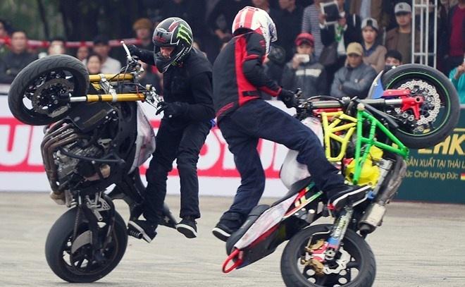 Nhung ung cu vien nang ky giai dua xe moto tai Binh Duong hinh anh