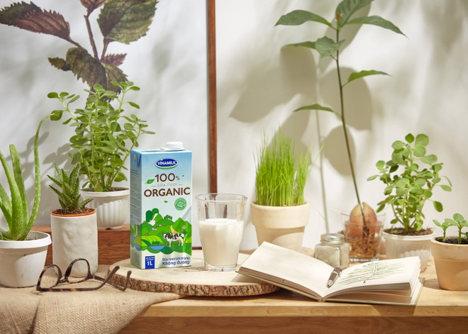 Vinamilk tien phong san xuat sua tuoi 100% organic tai VN hinh anh 4