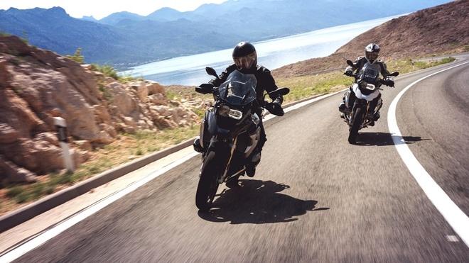 4 mau moto BMW hut khach Viet 2016 hinh anh 1