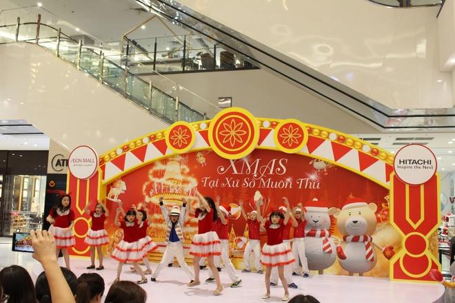 AEON Mall Long Bien hoa xu so than tien chao don Giang sinh hinh anh 7
