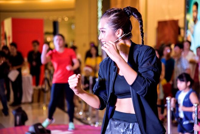 Lilly Nguyen va Kha Ngan do dang san chac hinh anh 1