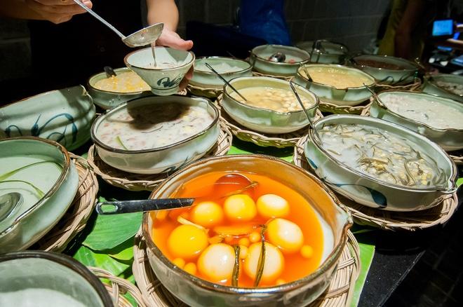Thuong thuc buffet met hon 50 mon Viet giua long TP.HCM hinh anh 8