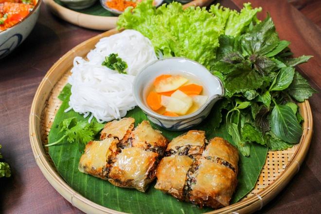 Thuong thuc buffet met hon 50 mon Viet giua long TP.HCM hinh anh 5