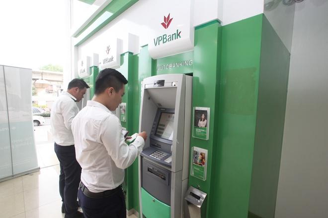 VPBank nhan giai Dich vu Mobile Banking hang dau VN 2016 hinh anh 2