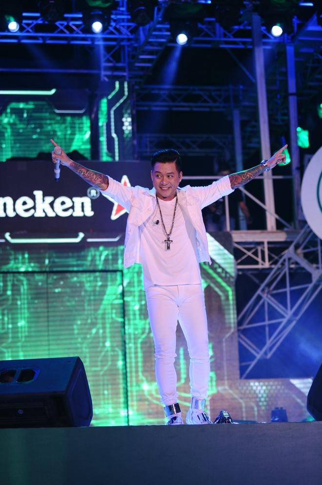 4 robot cung fan Heineken chay het minh tai dai nhac hoi hinh anh 4