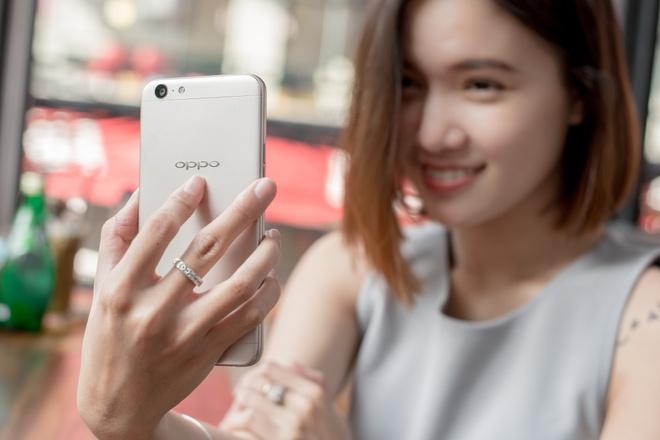 Nhung smartphone Oppo chuyen selfie hinh anh