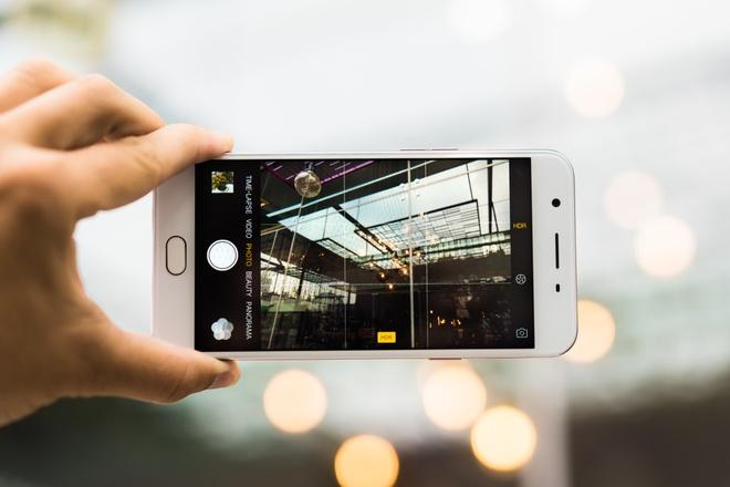Nhung smartphone Oppo chuyen selfie hinh anh 1