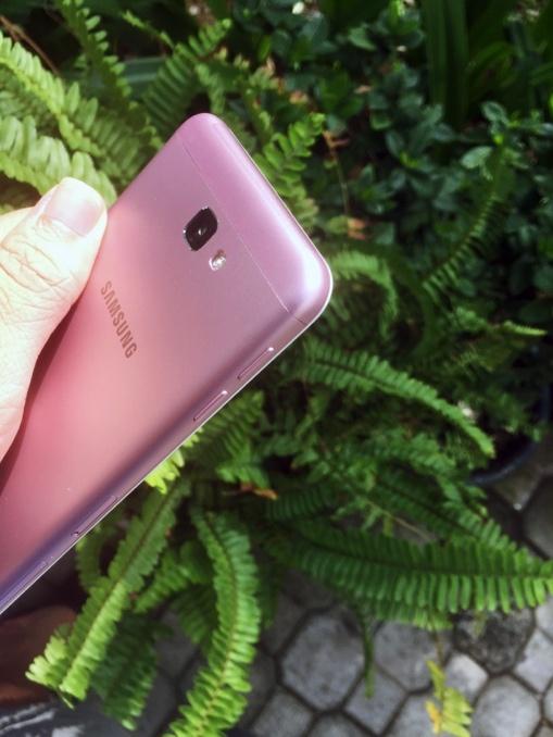 Galaxy J7 Prime hong len ke vao dau nam 2017 hinh anh 5