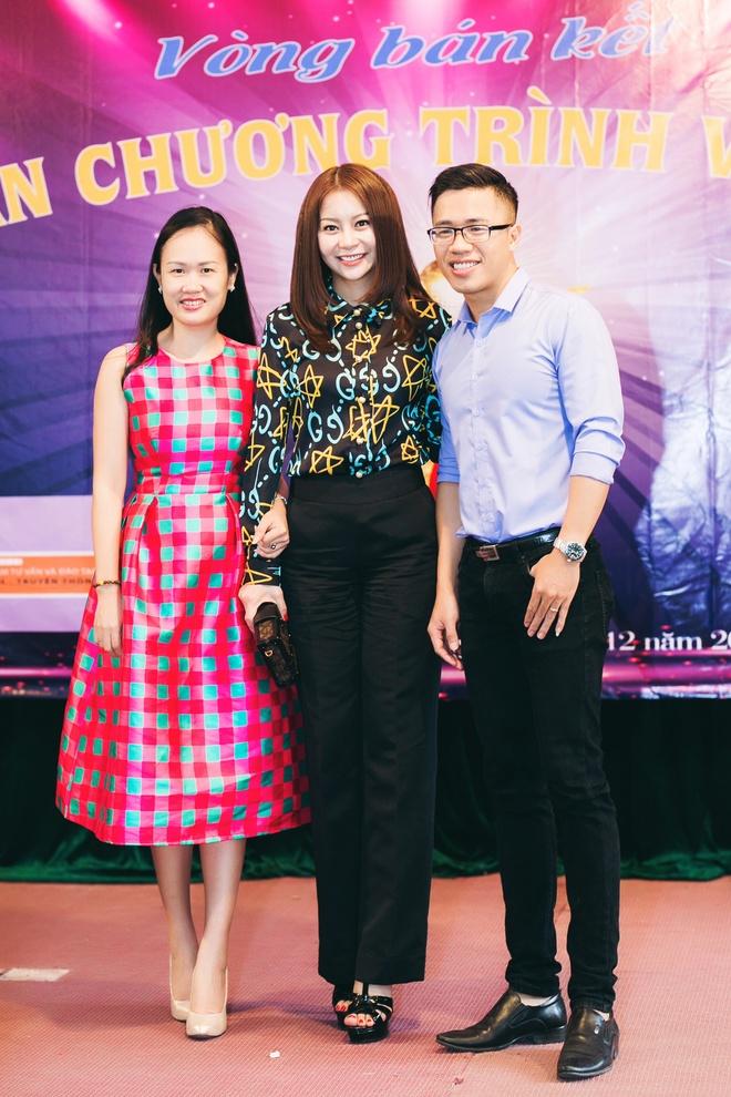 Hoa hau Hai Duong lam giam khao cuoc thi MC cua sinh vien hinh anh 7