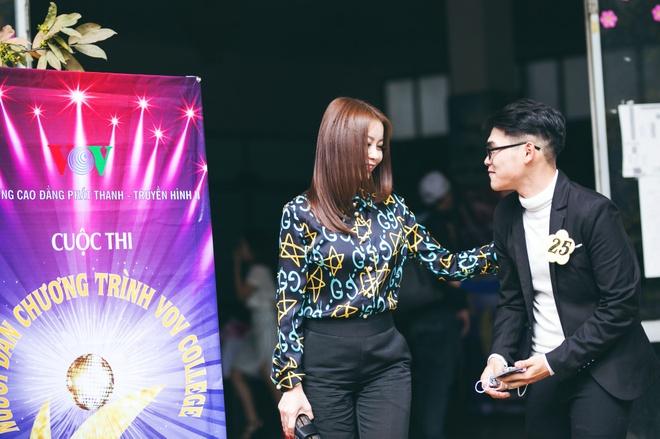 Hoa hau Hai Duong lam giam khao cuoc thi MC cua sinh vien hinh anh 5