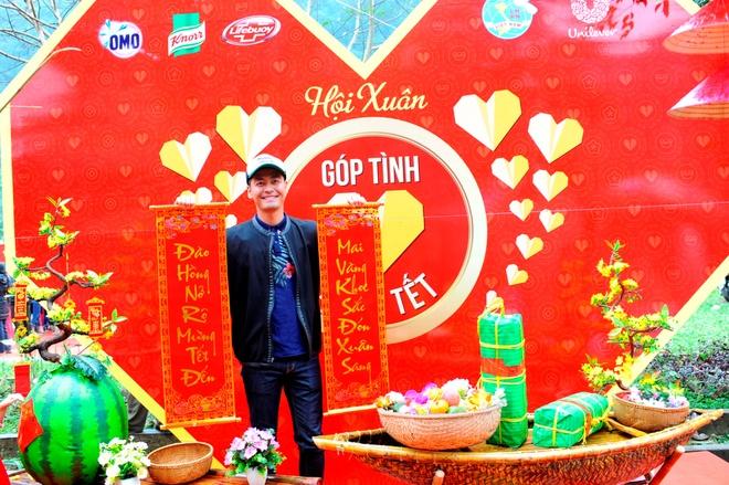 Phan Anh: 'Toi muon trao Tet cho ba con vung lu mien Trung' hinh anh 7
